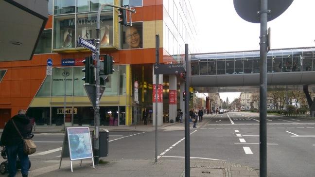 iKoKo-Wegeskizze: Kreuzung Schwalbacher Straße und Luisenstraße